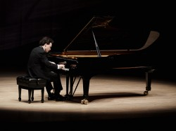 Evgeny Kissin at Roy Thomson Hall. Photo by Malcolm Cook