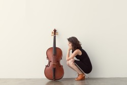 Cellist Elinor Frey.
