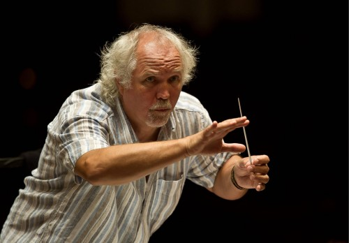 Donald Runnicles conducting the Orchester der Deutsche Oper Berlin