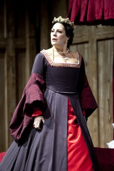 Sondra Radvanovsky as Anna Bolena in a scene from the Washington National Opera production of 'Anna Bolena.' - photo by Scott Suchman