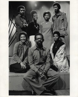 Ellis Haizlip, producer and host of the PBS series SOUL!, surrounded by his team. Clockwise left to right: Sherry Santifer, Stan Lathan, Loretta Greene, Leslie Demus, Alonzo Brown and Anna Maria Horsford. Photo credit: Bill Whiting.