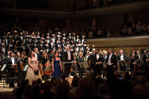 The TSO with the Toronto Mendelssohn Choir and soloists. Photo credit: Nick Wons.