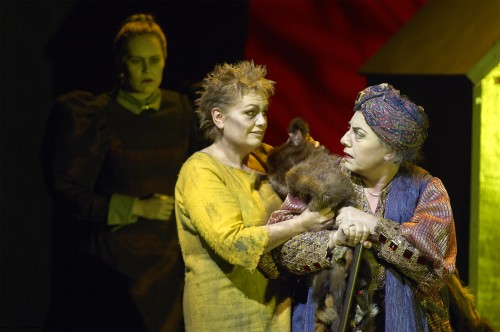 (from left) Betty Allison as the Trainbearer, Susan Bullock as Elektra and Ewa Podleś as Klytämnestra in the Canadian Opera Company's production of Elektra, 2007. Photo Michael Cooper