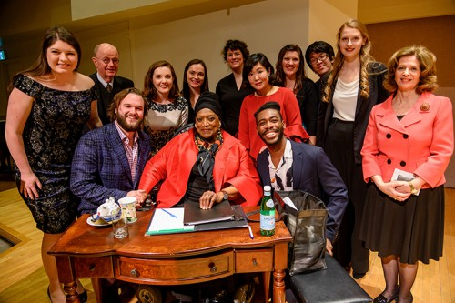 U of T masterclass participants and faculty with Jessye Norman. Photo credit: Kenneth Chou Photography.
