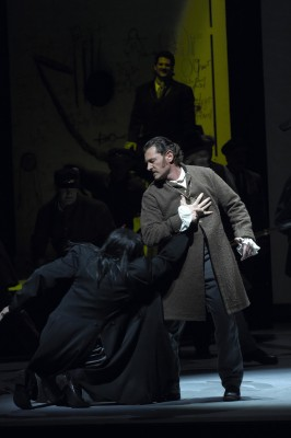 Egils Silins as Méphistophélès and Brett Polegato as Valentin in the Canadian Opera Company's production of Faust, 2007. Photo by Michael Cooper