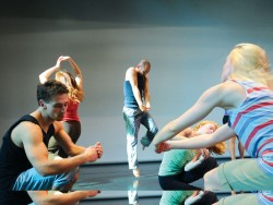 for_uno_in_with_the_new_tdt_-_company_members_in_rivers_rehearsal._photo_by_guntar_kravis