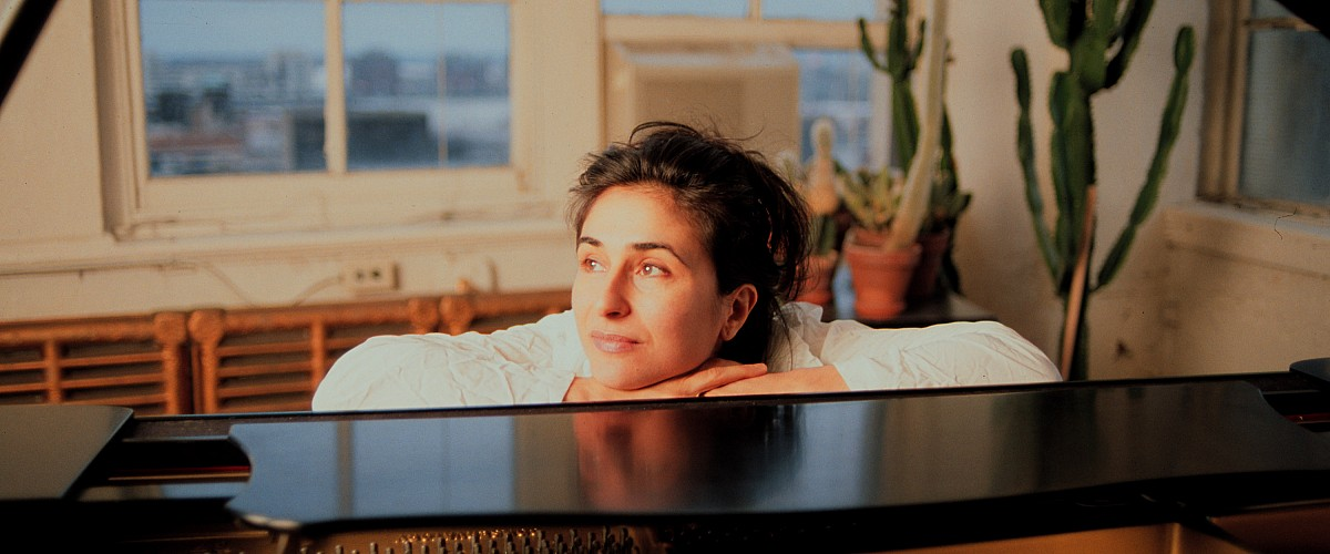 Concert Report: Eve Egoyan's Solo For Duet